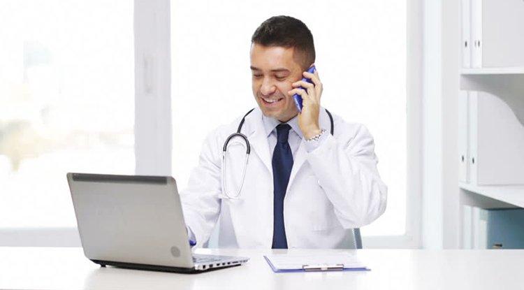 طبيب اختصاصي .. إدارة مؤسسات صحية
